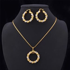 New 18K Gold RounD Pendant Necklace Earring Set